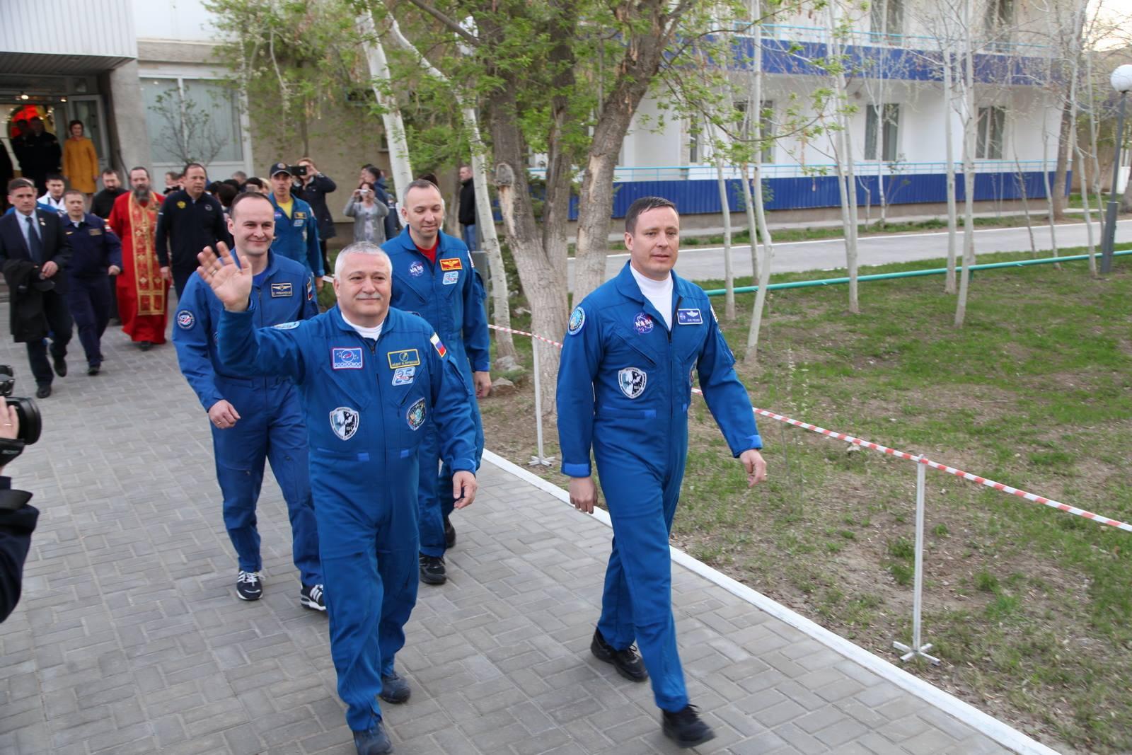 Выпускник Президентской академии летит в Космос!
