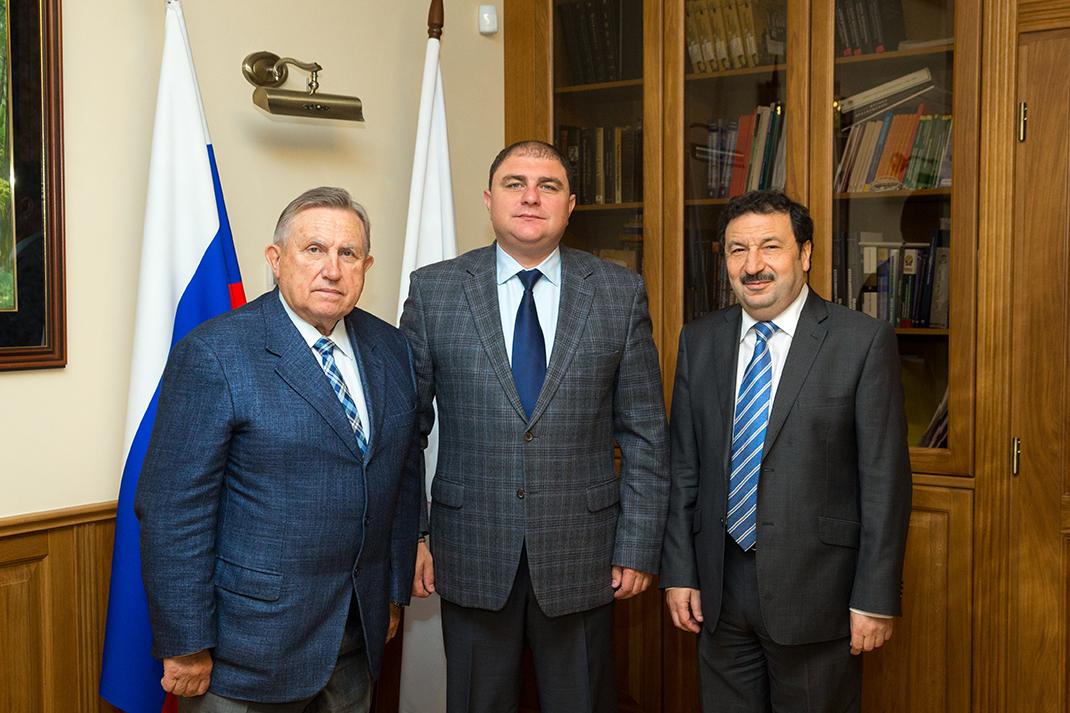 Владимир Мау встретился с главами Калмыкии, Орловской области и Чукотского АО
