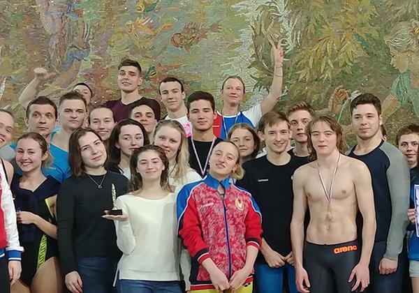 Пловцы РАНХиГС завоевали 13 медалей на межвузовском соревновании