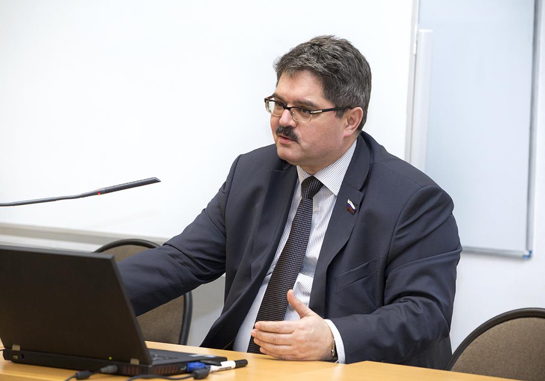 Сенатор Анатолий Широков выступил в РАНХиГС