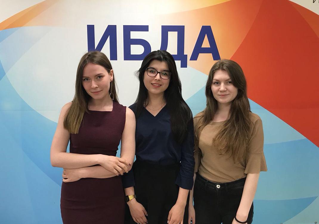 Студенты Академии получили государственные стипендии КНР