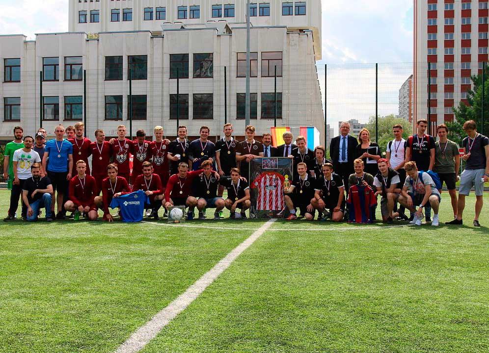 Кубок посольства Испании 2018 – это первый турнир между сборными командами различных организаций высшего образования, в том числе Президентской Академии, и сборной Посольства Испании в рамках Международного Фестиваля ИГСУ – 2018.
