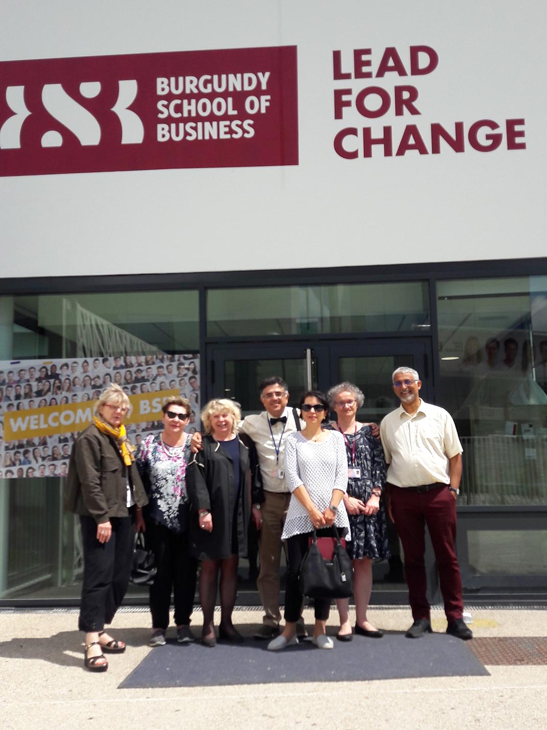 Академия развивает отношения с ведущими бизнес-школами Франции