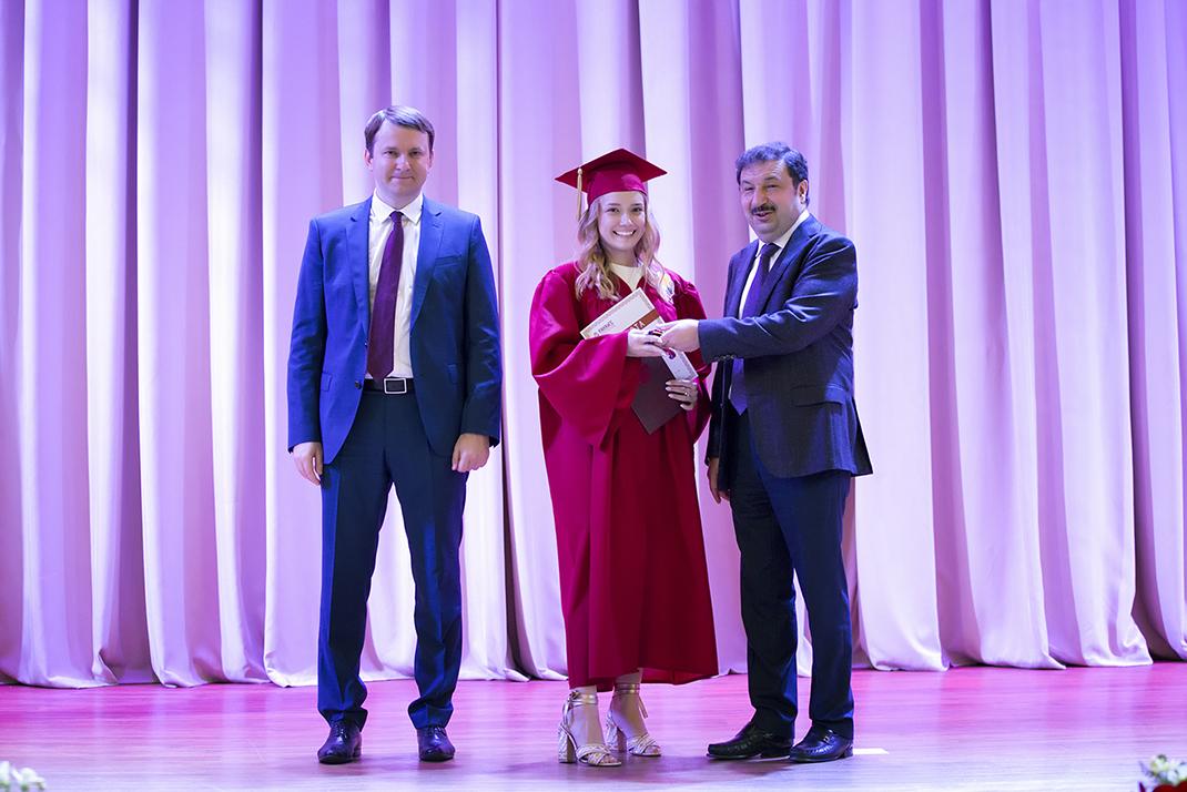 Выпускникам РАНХиГС вручили дипломы Татьяна Голикова и Максим Орешкин