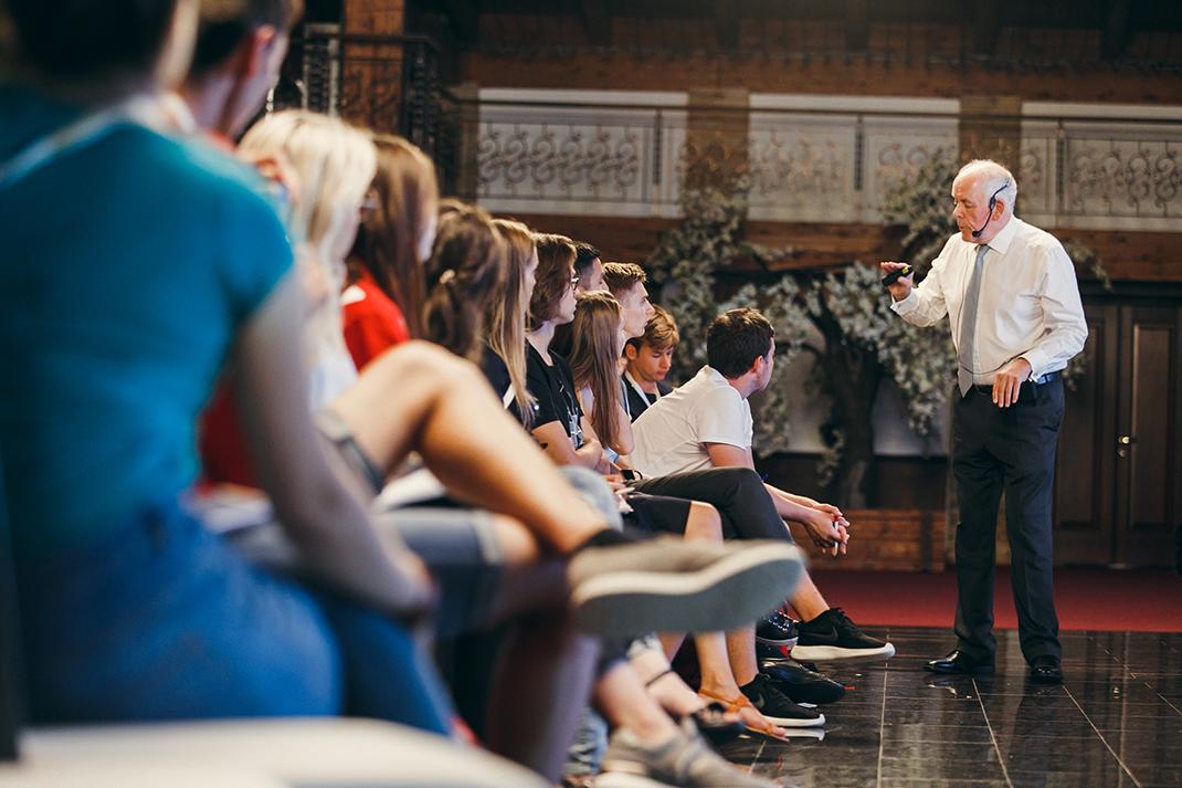 Нил Осборн на VII Летнем кампусе Президентской академии: в каком мире вы будете жить?