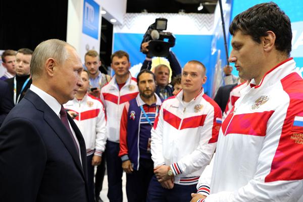 Владимир Путин встретился с выпускником Брянского филиала РАНХиГС