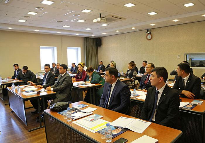 Эксперт Президентской академии провел цикл лекций для Росфинмониторинга