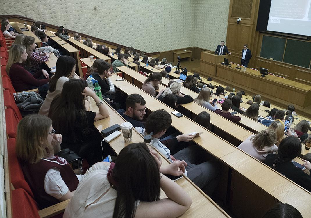 Телезвезды Роман Бабаян и Марианна Максимовская рассказали студентам о будущем журналистики