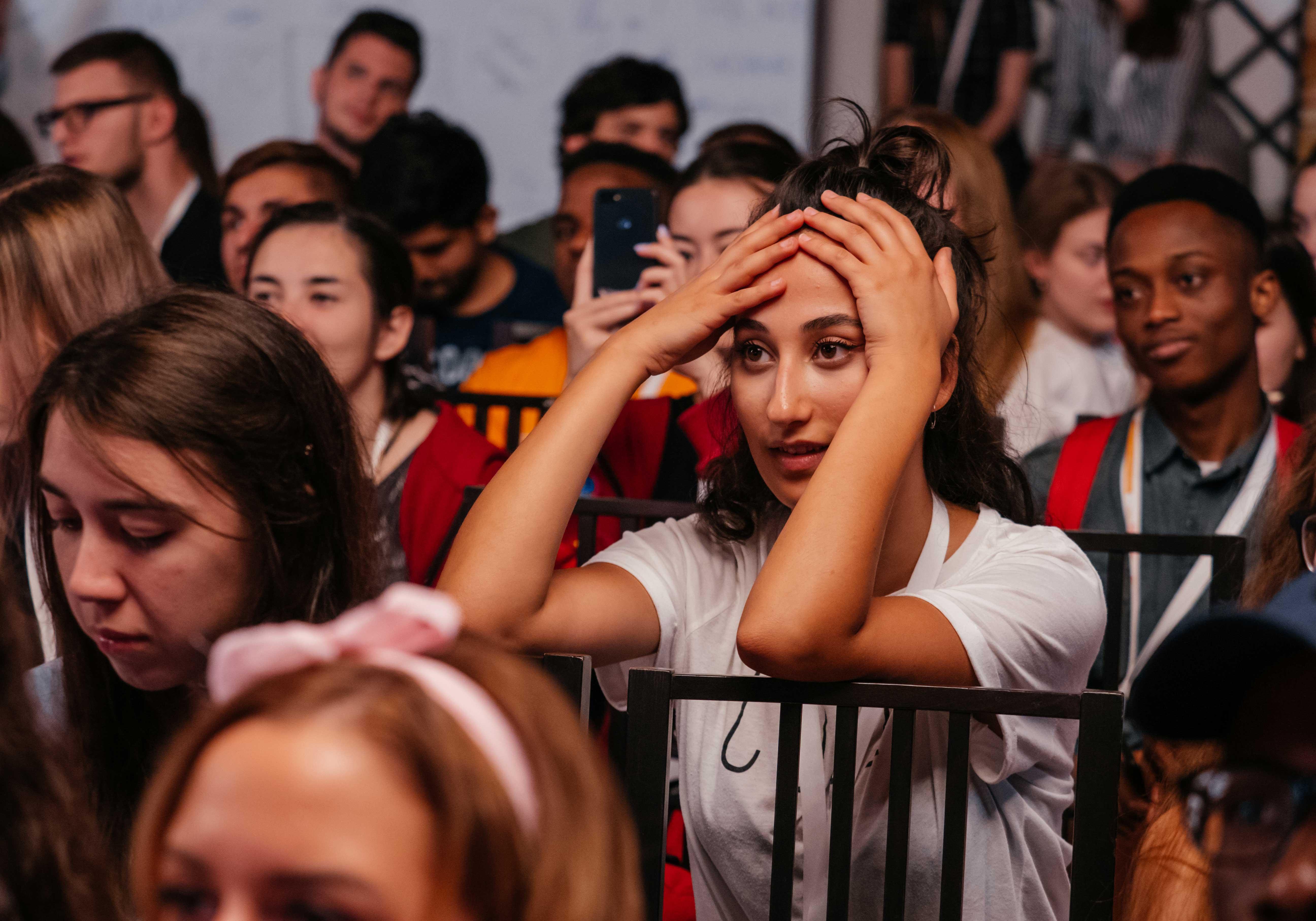 14 июля участники Летнего кампуса РАНХиГС узнали, как заниматься продвижением не только своего продукта, но и самого себя. Главную роль в этом играет персональный бренд, о котором подробно рассказал на встрече со студентами генеральный директор Eye Care Foundation, преподаватель РАНХиГС Бьерн Стенверс. Участники кампуса смогли узнать много полезных секретов для дальнейшего формирования собственного персонального бренда