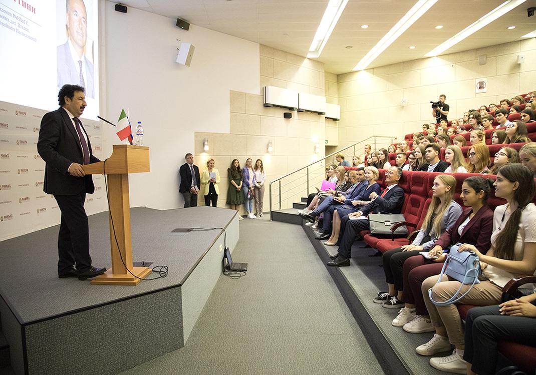 Франко Фраттини рассказал о современной политике и мировых угрозах