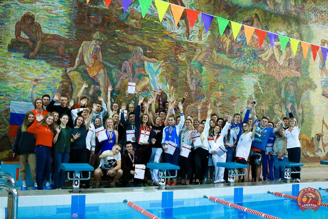 В Академии определили лучших пловцов осени