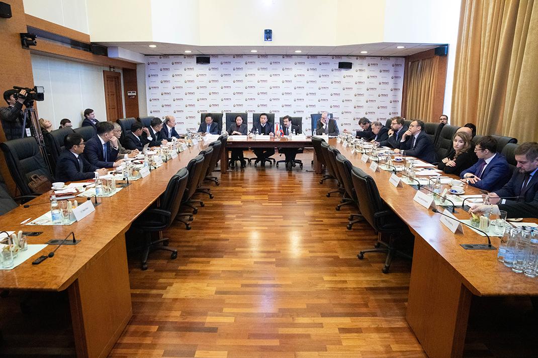Президентская академия продолжает развивать отношения с Вьетнамом