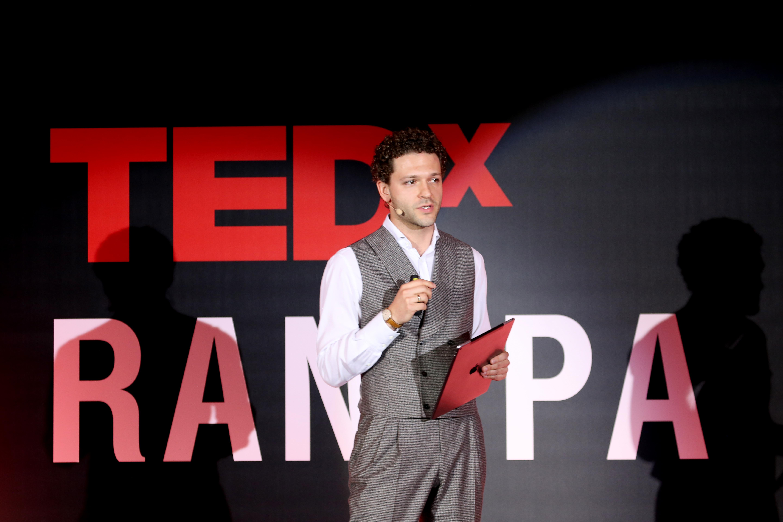 Константин Крюков – киноактер, продюсер, ювелир, художник